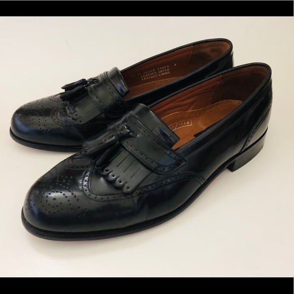 Bostonian Classics black leather loafers size 8,5